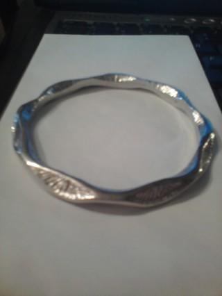 Wavey Silver Bangel