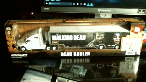 "New in Box 1:64 Scale Die-Cast ""AMC The Walking Dead 18 Wheeler Dead Hauler"""