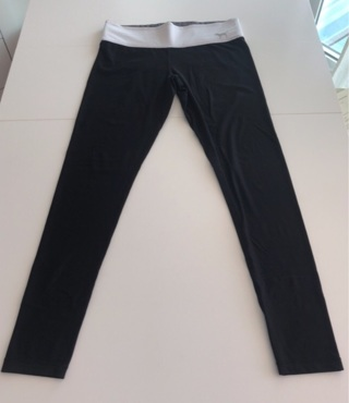 Victoria's Secret PINK Reversible Black Leggings White & Grey XS/S • Free Shipping