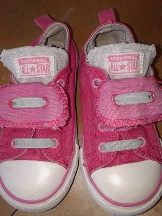 Girls Converse All Star Shoes size 9