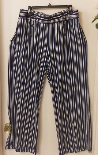Wide leg pants, NWOT, XL