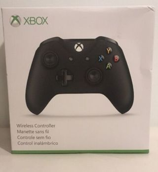 BRAND NEW (BLACK OR WHITE) MICROSOFT XBOX ONE WIRELESS CONTROLLER