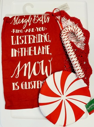 Crochet 2 - 9 inch handmade Dish CLOTHS 1 DISH TOWEL 1 POT HOLDER 1 TREE ORNAMENT