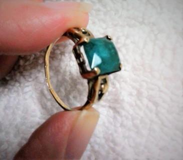 Vintage Victorian Estate Find 10K Emerald Cut Greenish Color Stone Rose Gold Ring