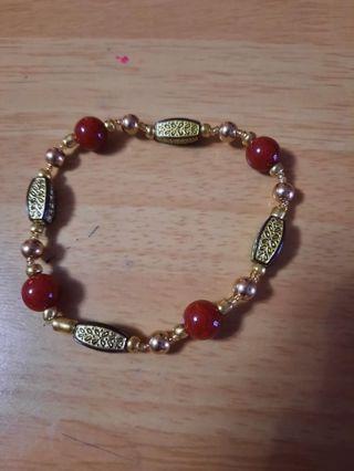 Stretchy beaded bracelet