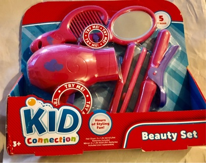 """BNIB """"KID CONNECTIONS""""  5 Piece Beauty Interactive Kit! Mirror Lights Up & Dryer Has Sounds"""