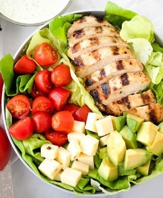 ~Grilled Chicken Salad w/ Pesto Ranch Dressing Recipe~
