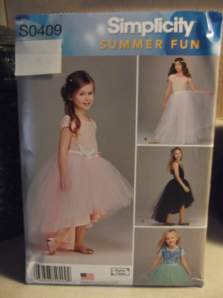 """New Simplicity """"Summer Fun"""" Pattern - Child`s/ Girl`s Size 3-6"""