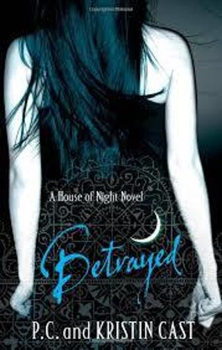 House of Night #2: Betrayed by P.C. Cast (TPB/VGC) #LLP25anl