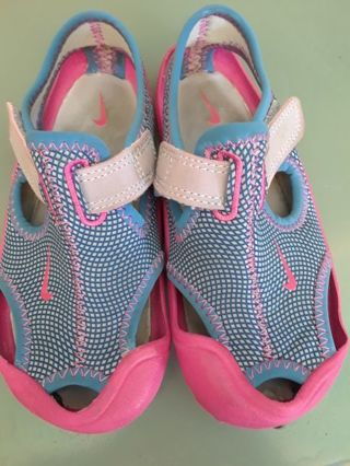Toddler Girl Nike Water Shoes size 9