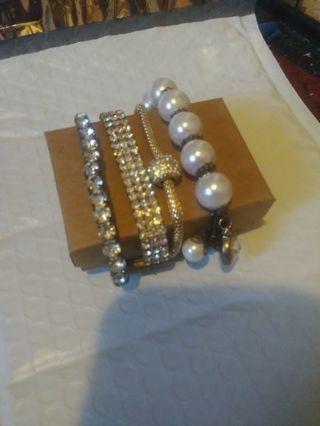 4 unique stretchy bracelets