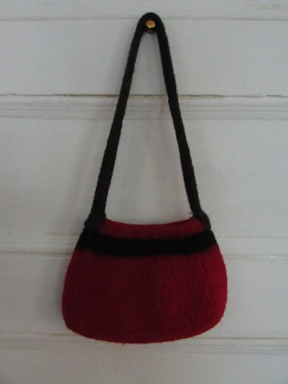BEAUTIFUL FELTED WOOL PURSE- RED & BLACK W/ SNAP CLOSURE