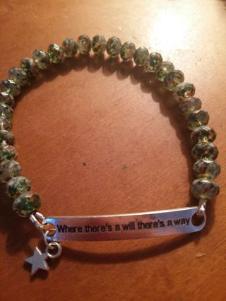 High quality glass beaded motivational star bracelet. Green style