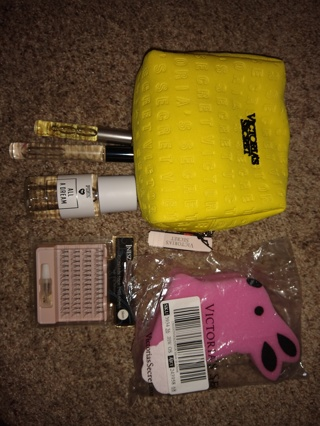 Victoria's Secret lot perfume bombshell Paris pink all a dream cosmetic bag sponge +++