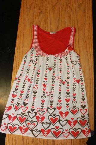 Size M. Papaya Women's Heart Tank