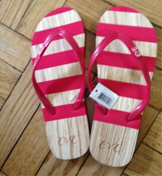 New Flexible Thong Sandals, Size 7