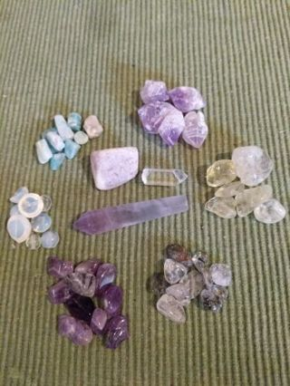 Stones, chips, tumbled, clear quartz point & amethyst point