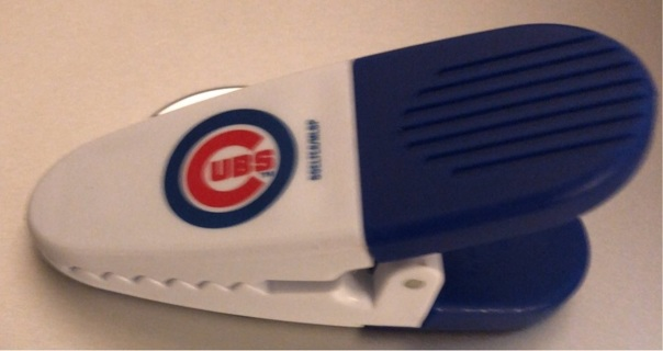 Previously Loved: Major League Baseball Licensed, Chicago CUBS Chip Clip with Magnet