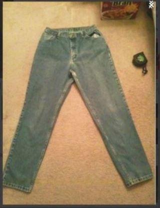 1 pair blue jeans