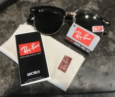 New with Tags and Case Ray-Ban Clubmaster RB-3016 Black with Green Polarized Sunglasses
