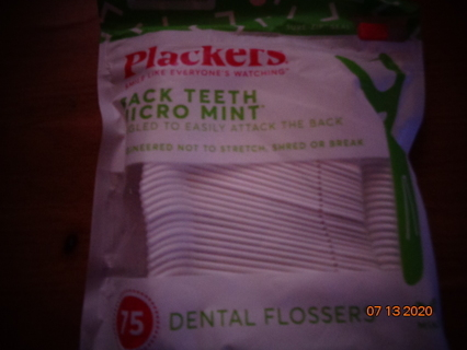 plackers dental floss
