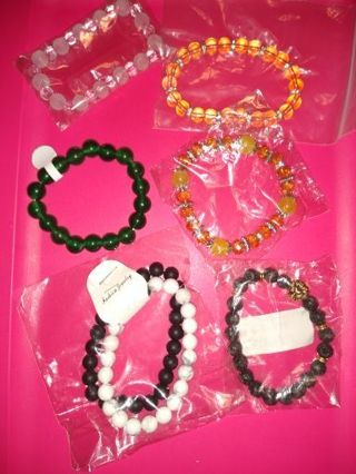 Kawaii Cute Beaded Bracelet Lot x 7 + Bonus Mystery Bracelet