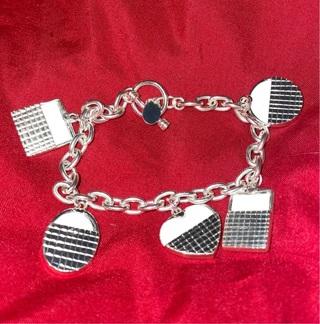 Adorable Charm Bracelet Baskets Photo Premier Designs Silvertone