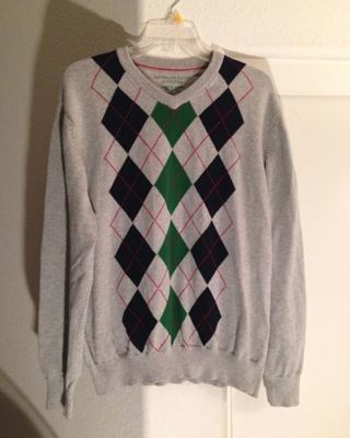 1 American Eagle Outfitters Sweater FREE SHIPPING