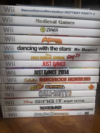 Huge WII Game Lot Used