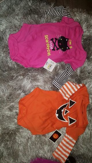 Lot of 2 Infant Onesies Outfits Size 3 to 6 Months Baby Clothes Halloween Girls