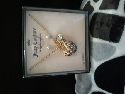 Brand new authentic Juicy Couture necklace w earings