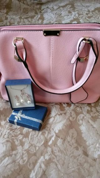 Pretty in Pink - Purse with Pearl Earring & Necklace Set