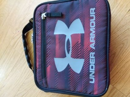 UNDER ARMOUR LUNCHBOX
