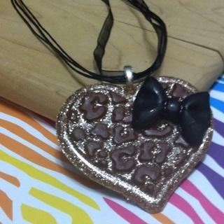 Custom Resin Cheetah Print Heart With Girly Bow