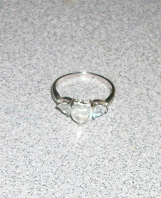 Beautiful faux Cubic zirconia womens wedding ring Size 7. Great gift item!