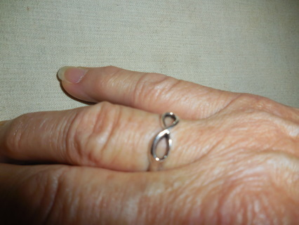 New! Nice silver love knot ring
