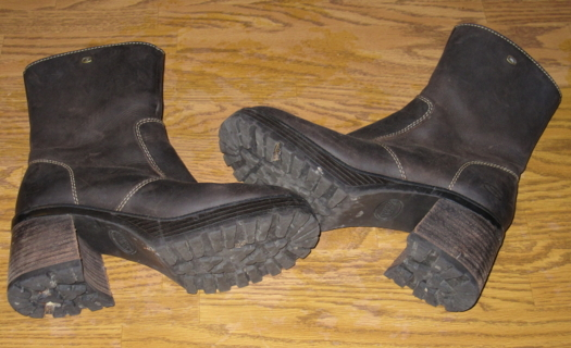 Skechers brown leather boots - sz7