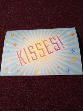 Pop-Up Notecard - KISSES!
