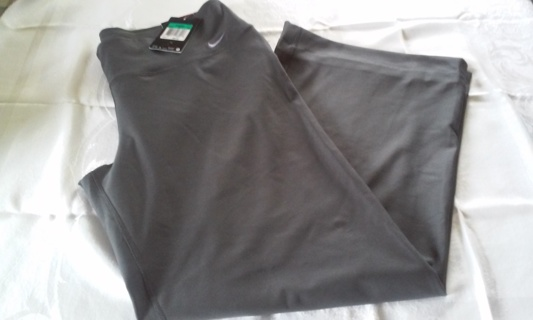 NIKE Women's Size XL Active wear pants. Gray/Dri-fit- Polyester/spandex -NWT!!