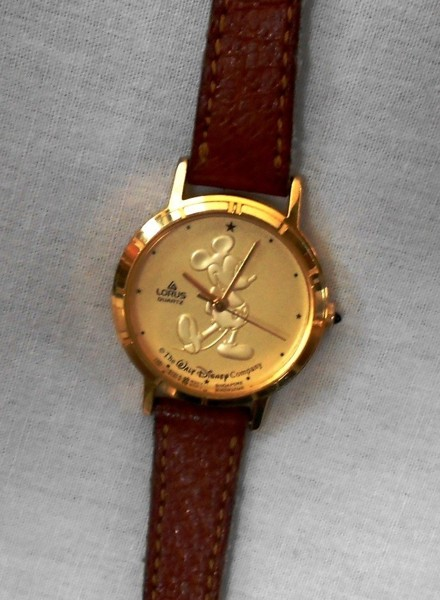 Mickey Mouse Watch Value >> Free Vintage Lorus Mickey Mouse Watch With Leather Band