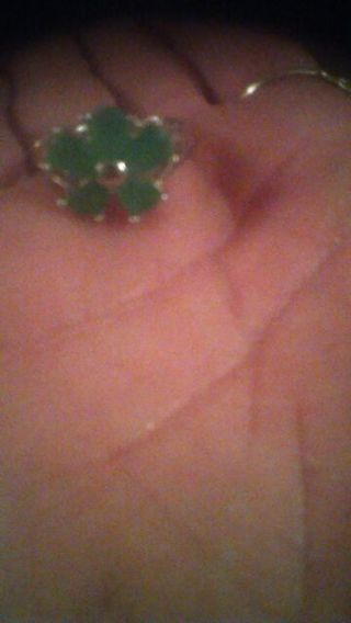 ❤Breathtaking ,Sterling CapeCod Natural Emerald flower ring. Stamped925❤