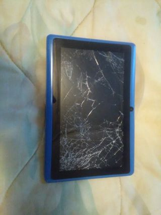 """Used 7"""" tablet android **Broken** blue"""