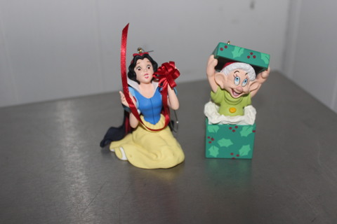 Snow White and the Seven Dwarfs 2 piece ornament set Anniversary