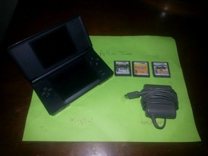 Nintendo DS with 3 games.