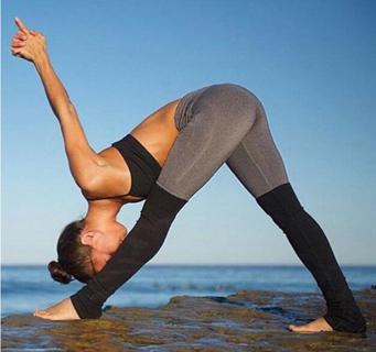 FREE NEW MEDIUM WOMEN'S LADIES YOGA PANTS/ WORK-OUT EXERCISE LEGGINGS IN BLACK/TAN
