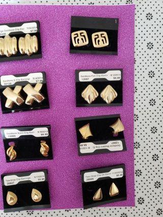 8 Pair Of Vtg Clip on Goldtone Earrings