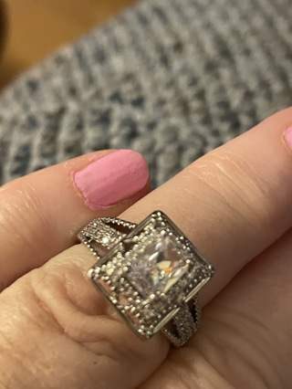 Beautiful crystal~  925 ring size 7~reduced