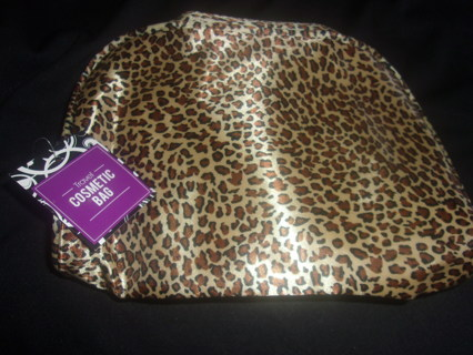 BNWT Everyday Leopard Print Soft Makeup Case - 8.5 x 6.5 x 2 Inches,