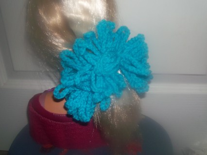 NEWLY CROCHETED TURQUA HAIR SCRUNCHIE