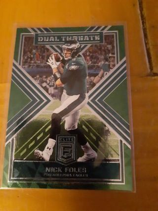 You are bidding on a 2018 Elite Carson Wentz Dual Threats Green insert.